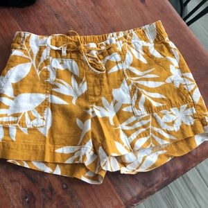 Women's size small Old Navy shorts